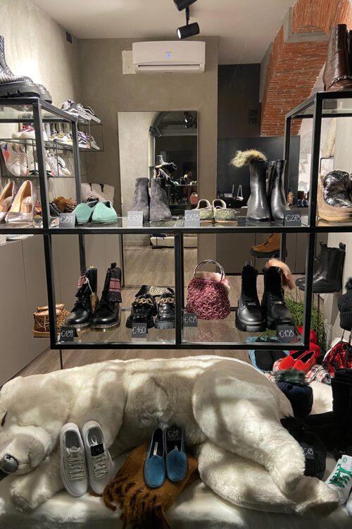 Mood abbigliamento scarpe e accessori a Lecco
